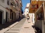 Monchique is een van de belangrijke Portugese health-resorts. Er zijn warme zwavelbronnen met baden en een sanatorium in het nabij gelegen 'Caldas de Monchique'.
