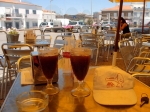 Lekker genieten van een koele ijskoffie in Sao Bras.