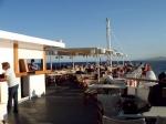 Zalig zonnen op het bovendek van de ferry