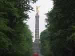 Tiergarten is 210 hectare groot en het meest omvangrijke park van Berlijn. Het wordt doorsneden door een aantal grote verkeersaders met in het midden de Siegessäule.
