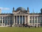 Het Rijksdaggebouw is sinds 1991 weer het Duitse parlementsgebouw. Het gebouw dateert van 1894. Tot 1933 zetelde hier de Rijksdag, een voorganger van het huidige parlement.