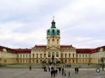 Slot Charlottenburg is het grootste paleis in Berlijn en gelegen in het gelijknamige stadsdeel. Het stamt uit de tijd van de Pruisische vorsten.