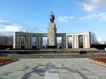 Het Sowjetische Ehrenmal in Tiergarten is opgericht om de 80.000 soldaten die bij de verovering van Berlijn zijn omgekomen te herdenken.