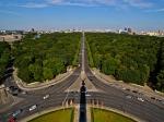 In het binnenste van de zuil bevindt zich een wenteltrap van 285 treden naar een uitzichtplatform, vanwaar men een fraai uitzicht heeft op Berlijn.
