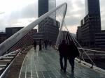 De Zubizuri (Witte Brug) is een voetgangersbrug over de Nervion, gebouwd tussen 1994 en 1997 naar een ontwerp van de Spaanse architect Santiago Calatrava.