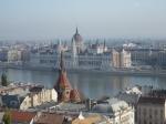 Het Parlement is gebaseerd op het Britse parlementsgebouw. Het is 268m lang, 96m hoog en omvat 691 kamers.