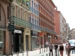 Toulouse is de 4de stad van Frankrijk na Parijs, Marseille en Lyon. Deze jonge en bruisende stad wordt ook wel La Vile Rose genoemd, vanwege de dominante kleur van de baksteenarchitectuur.