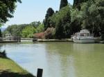 Het Canal du Midi is een 250 km lang kanaal door Frankrijk tussen Toulouse en de Middellandse Zee. Het bevat 91 sluizen om een hoogteverschil van 190 m te overbruggen. Het traject heeft ook 54 aquaducten (kanaalbruggen) over rivieren en wegen.