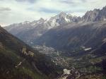 Zicht op de vallei van Chamonix met vooraan Les Hoches, in het midden Chamonix en achteraan Aiguille Verte.
