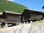 Traditionele graanopslagplaatsen in Saas-Fee. Die zijn overal in de Zwitserse Alpen terug te vinden.