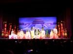 De Tangdynastie is gekend voor zijn verfijnde dans- en muziekcultuur. We zijn getuige van een wondermooie show met dans en muziek uit deze periode.