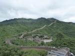 De muur, ooit meer dan 6000 km lang, is het indrukwekkendste monument van de oude Chinese beschaving. Het had tot doel de nomadische volkeren uit het noorden tegen te houden. Hier het gerestaureerd stuk in Badaling.