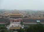 Na een korte klim naar de Kolenheuvel in het Jinshan park genieten we van een prachtig zicht op de Verboden Stad.