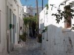 Het binnenstadje van Parikia (Paros) is zeer pittoresk met smalle steegjes (opzettelijk zo aangelegd om de vroegere bewoners te beschermen tegen piraten).