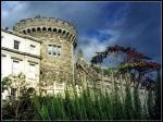 Dublin Castle was meer dan 700 jaar het hoofdkwartier van het Engelse bestuur in Ierland. Het is nu het centrum van de Ierse regering en wordt gebruikt voor staatsbezoeken.