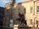 Waterloo Place met het standbeeld van de Hertog van Wellington.