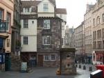John Knox House. Grappig genoeg zou John Knox hier helemaal niet gewoond hebben, maar er wel gestorven zijn gedurende het beleg van Edinburgh Castle.