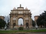 Op het Plein van de Vrijheid staat er een triomfboog ter ere van het huis Lotharingen dat na het huis Medici de groothertogen van Toscane leverde.