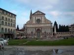 De Basilica di Santa Maria Novella is gebouwd door Leon Battista Alberti in 1470. In de kerk bevindt zich het fresco De Heilige Drie-eenheid van Masaccio.