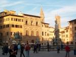 Het Piazza della Signoria is een van de belangrijkste pleinen met het Palazzo Vecchio (stadhuis) en het Uffizi, een van de belangrijkste kunstmusea ter wereld.