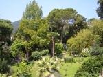 Zeker de moeite waard is een bezoek aan de botanische tuin van Andre Heller (Gardone Riviera). Hier groeien en bloeien meer dan 2000 verschillende planten en bomen.