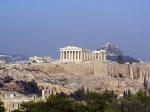 De Akropolis was de religieuze kern van de stad. De beschermgodin Athena had er haar belangrijkste heiligdom, de Oude Athenatempel, gebouwd in de 6e eeuw v.Chr.