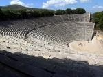 Het theater van Epidaurus is het best bewaarde theater uit de Griekse Oudheid. De akoestiek is er ronduit fantastisch (dit wordt voortdurend gedemonstreerd door gidsen!)