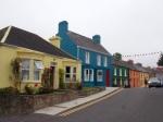 De kleurige huisgevels in het centrum van Eyeries.