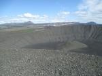 Hverfjall, een 2500 jaar oude vulkaankrater met het uitzicht van een maanlandschap.
