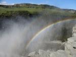 Prachtige dubbele regenboog aan de Dettifoss, de hoogste en krachtigste waterval van Europa.