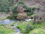Gjáin (de kloof) is een kleine afgeschermde vallei met vele kleine watervallen, meertjes en vulkanische structuren. Heel mooi !