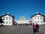 Slot Fredensborg (Fredensborg) is de meest gebruikte residentie van de Deense koninklijke familie. Het wordt ook gebruikt voor belangrijke staatsbezoeken.