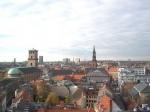 Panorama vanop de Ronde Toren. De 38m hoge toren met spiraalvomig oplopend pad bevat de oudste sterrenwacht van Europa; deze is nog steeds in gebruik.