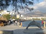Aan het havenfront van Ierapetra zijn veel winkeltjes, restaurants en kafenions waar je een hapje of een drankje kunt bestellen.