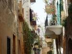 Als je het oude centrum van Chania doorloopt kom je veel Turkse en Venetiaanse gebouwen tegen.