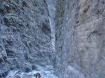 De kloof is 16 kilometer lang. Op sommige plaatsen zijn de wanden 500 meter hoog, terwijl op het smalste punt de wanden slechts 4 meter uit elkaar liggen. Het smalste punt wordt ook wel de IJzeren Poort genoemd.