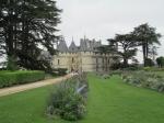Het kasteel van Chaumont-sur-Loire ligt hoog boven de stad en kijkt uit op de Loire. Het staat bovendien op de Werelderfgoedlijst van UNESCO.