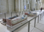 In de abdijkerk Sint Michel te Fontevraux-l'Abbeye zijn tegenwoordig de kunstschatten van het klooster ondergebracht. De bouw van deze kerk is heel eenvoudig, maar de kapitelen van de pilaren bevatten gedetailleerde reliëfs.