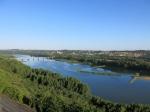 Prachtig uitzicht op de Loire en het stadje Oudon vanop de 'Promenade Champalud' in Champtoceaux.