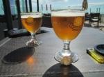We drinken er (nog) ene op de goede afloop. Overal langs het traject zijn de Belgische bieren makkelijk te vinden : Grimbergen, Hoegaarden, Affligem, Loburg, ... De Fransen weten waar ze goed bier moeten halen :)