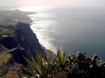 Cabo Girão is beroemd om zijn zeeklip; de op één na grootste ter wereld met een hoogte van 589 meter. Het is een populair uitzichtpunt met spectaculair panoramisch uitzicht.