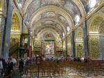 De St Jans-cokathedraal van Valetta mag zonder meer vergeleken worden met de barokke kerken in Rome. De johannieterorde spaarde kosten noch moeite om te tonen hoe rijk en machtig ze waren.