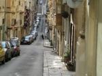 Valletta is een vooraf geplande stad, wat terug te zien is in het schaakbordpatroon waarin de straten zijn aangelegd. In de stad zijn vele gebouwen uit de tijd dat de Orde van Malta heerste over het land.