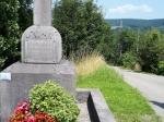 In het dorpje Warisy staat dit eenvoudig oorlogsmonumentje dat de gesneuvelden van beide wereldoorlogen herdenkt.