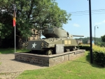 In Beffe staat een Amerikaanse tank als herinnering aan de slachtoffers van WOII in deze streek. Er vlak tegenover kan je relaxen op het terras van Brasserie 'Beffely Hills'.