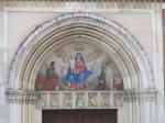 De ingang van de San Marco kerk is verfraaid met een reliëf van Christus met twee heiligen en symbolen van de evangelisten. Binnenin zijn fraaie voorbeelden van 16de en 17de eeuwse schilderkunst te vinden.