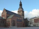 De Maria Dom is het belangrijkste sacrale bouwwerk van de Baltische staten. Het is de zetel van de aartsbisdom van de Letse evangelische kerk. Binnenin vallen vooral de mooie brandramen en het magnifieke orgel op.