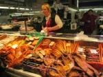 In en rond de voormalige zeppelin hallen worden allerlei producten aan de man gebracht in de centrale markt : vlees, vis, groeten, fruit, brood, enz. Veel burgers van de stad kopen hun verse waren hier goedkoper dan in de supermarkt.