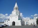Het kremlin van Kazan is het grootste historische kremlin van Tatarije. Op de foto de Spasskaya Toren. Het werd in 2000 uitgeroepen tot Werelderfgoed.