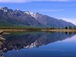 Het Baikalmeer is het grootste zoetwatermeer van Eurazië. Het meer is rijk aan flora en fauna en herbergt unieke diersoorten, zoals de baikalrob (een zoetwaterzeehond).